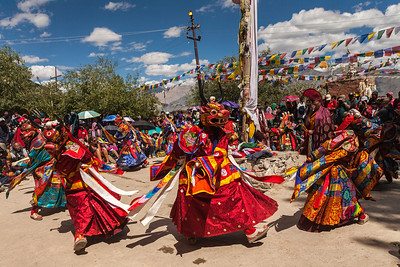 This is the inaugural dance of the Sani festival. Known as Bapa, it is a celebratory dance, performed after killing the enemy. These masked dances are the most awaited events of the Sani festival.