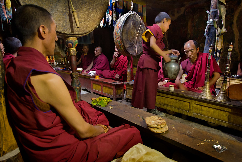Serving tea, Stongdey Monastery.
