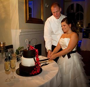 IMG_1251Cutting cake