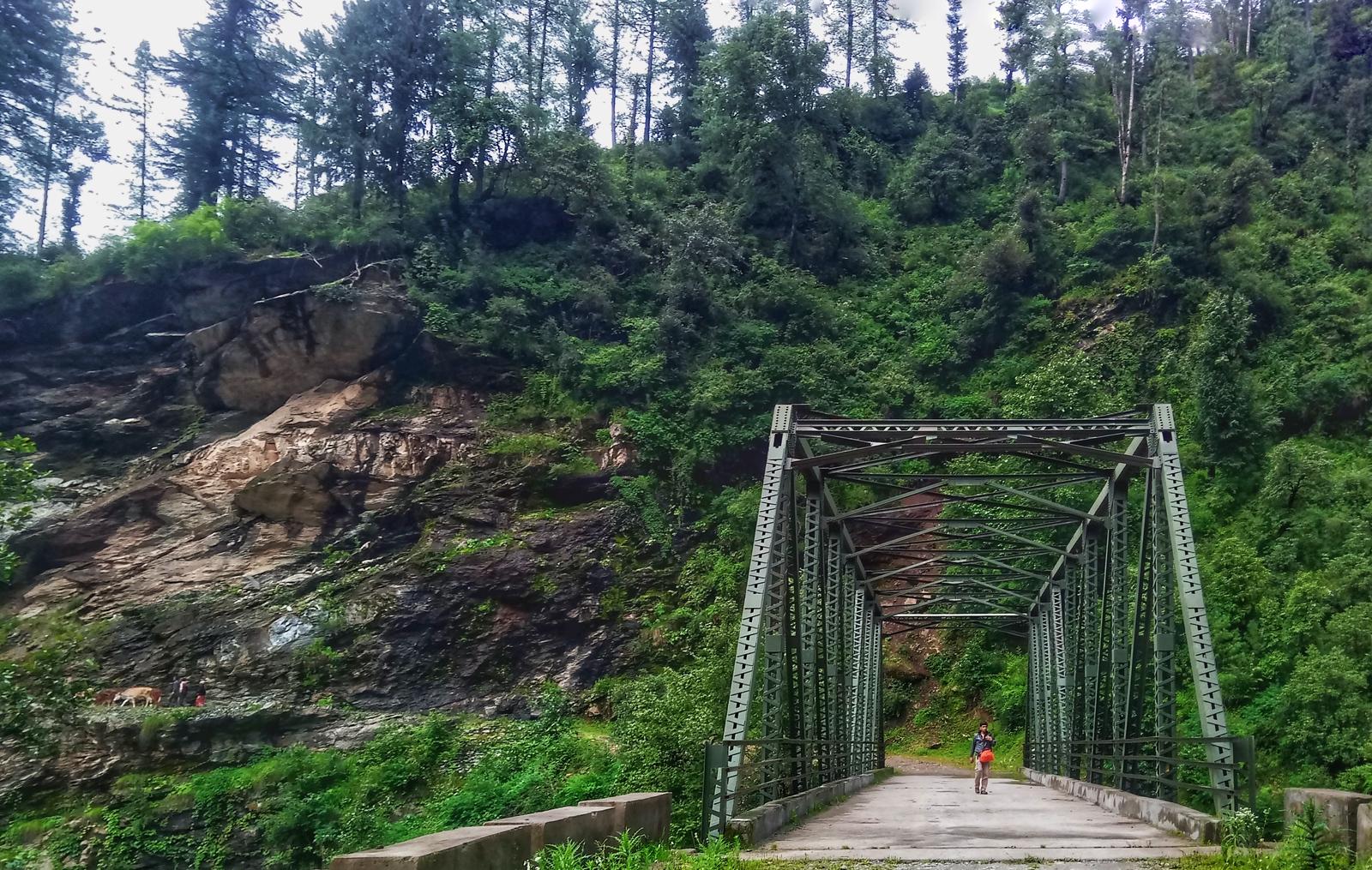 A bridge near the village Dwari, ahead of Raithal in the Garhwal Himalayas of Uttarakhand