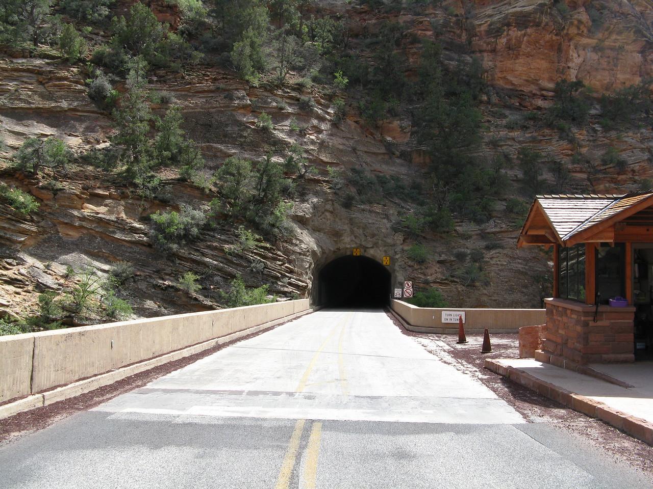 2011-04-21 Canyon Overlook 001