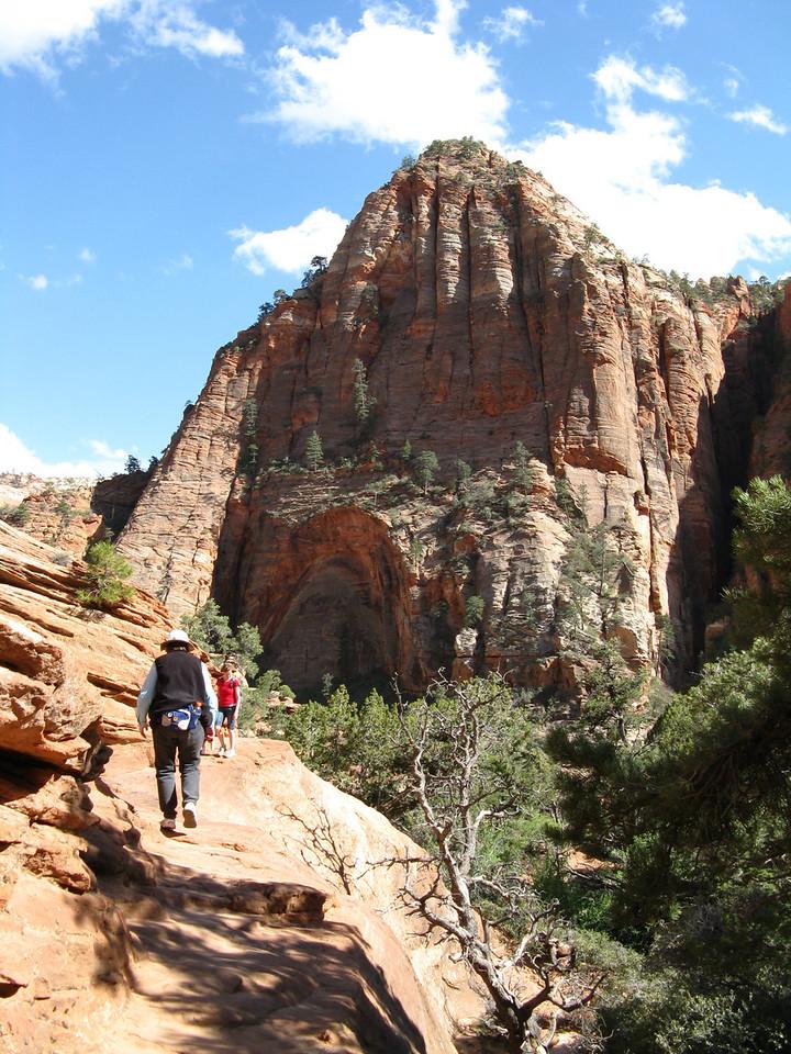 2011-04-21 Canyon Overlook 037