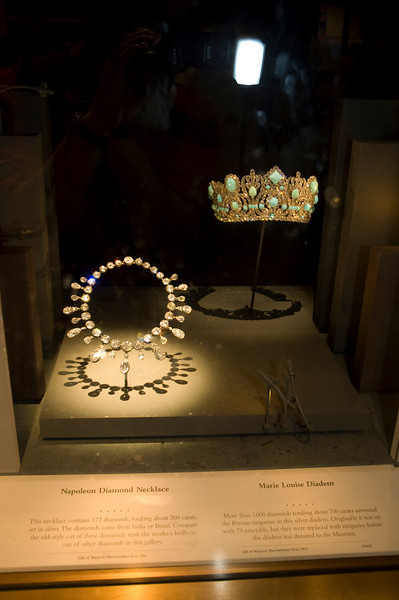 2005-08-14 - 262 - National Museum of Natural History - National Gem and Mineral Collection (Napoleon Diamond Necklace and Marie Louise Diadem) - DSC_1215