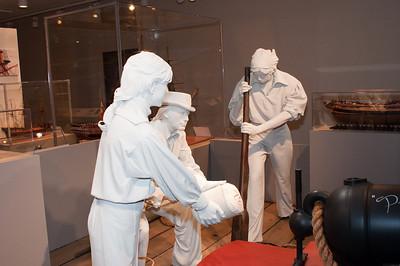 2009-10-03 - USNA Museum - 042 - Gun Crew Display - _DSC7425