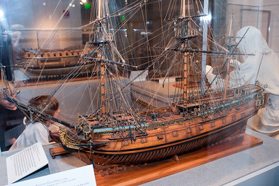 2009-10-03 - USNA Museum - 020 - English 4th Rate 60-Gun Ship of 1705 - _DSC7398