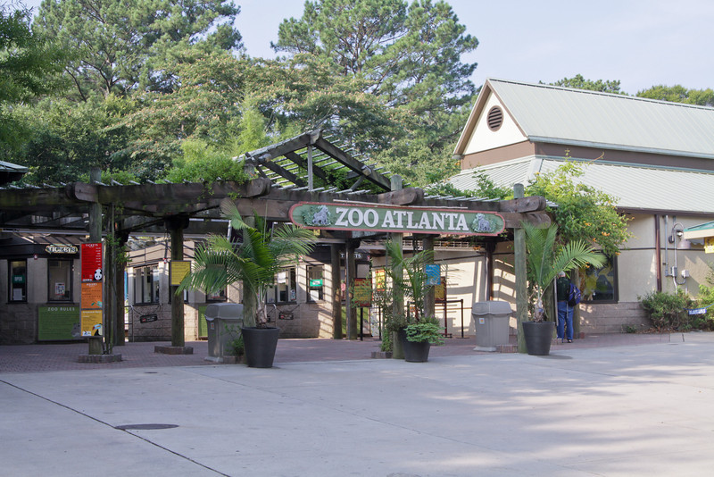 The entrance to Zoo Atlanta