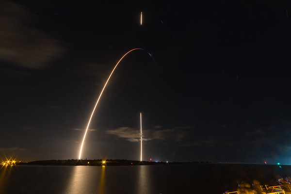 #Zuma #Falcon9 by #SpaceX: Streak #2, a single, 464-second exposure.