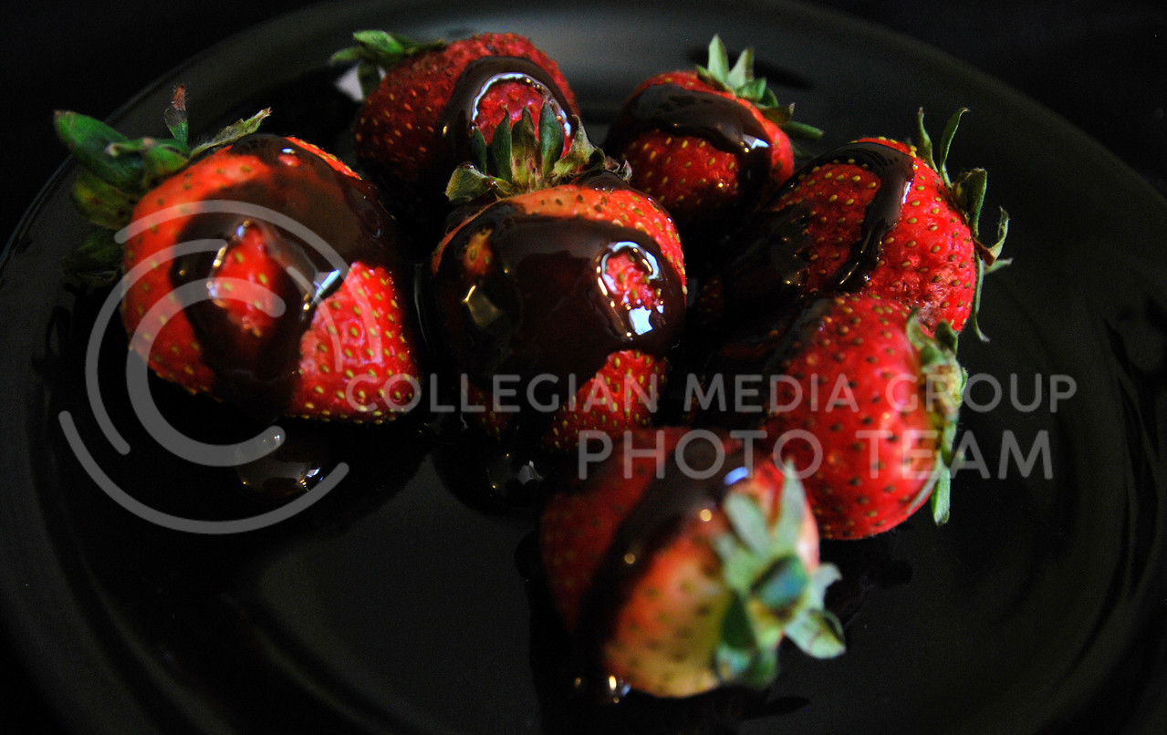 Chocolate covered strawberries are a classic and simple aphrodesiac snack, many other fruits and vegetables are great aphrodesiacs as well.