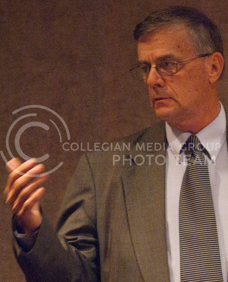 Robert E. Blecha, director of the Kansas Bureau of Investigation speaks to the criminology club Wednesday evening in the Cottonwood Room in the K-State Student Union.