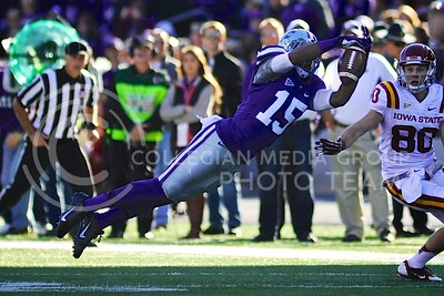 "(Photo by Parker Robb | Collegian)  Junior defensive back Randall Evans bats down an Iowa State pass during the last play of the first half of the Wildcats' win over the Iowa State Cyclones Saturday afternoon in Bill Snyder Family Stadium. The Wildcats defeated the Cyclones 41-7 in their rivalry known as ""Farmageddon."""