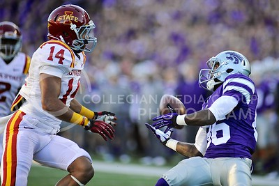 (Photo by Parker Robb | Collegian)  Senior wide receiver Tramaine Thompson catches a 27yd pass on the 3-yard line, setting up a three-yard touchdown run by senior running back John Hubert,  during the fourth quarter of of the Wildcats' win over the Iowa State Cyclones Saturday afternoon in Bill Snyder Family Stadium.