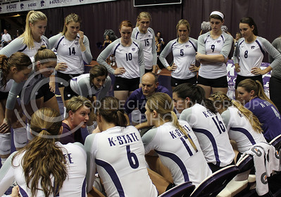 (Photo by Josh Staab | The Collegian)  Suzie Fritz talks to her team during a timeout in their match against top ranked Texas.