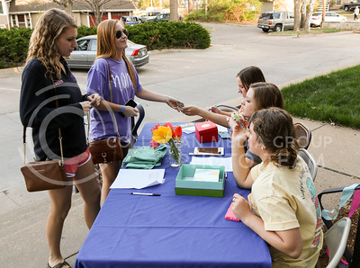 Kappa Kappa Gama sorority sisters collect money benefitting Reading Is Fundamental at the Kappa Kappa Gamma and Delta Sigma Phi Sundae Funday philanthropy event on April 3, 2016. (Matthew Zajic | The Collegian).