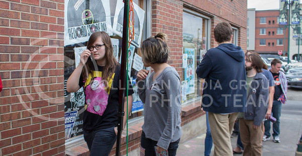 Patrons of Sisters of Sound music store wait in line to get into the store on International Record Store Day on April 16, 2016. (Miranda Snyder | The Collegian)