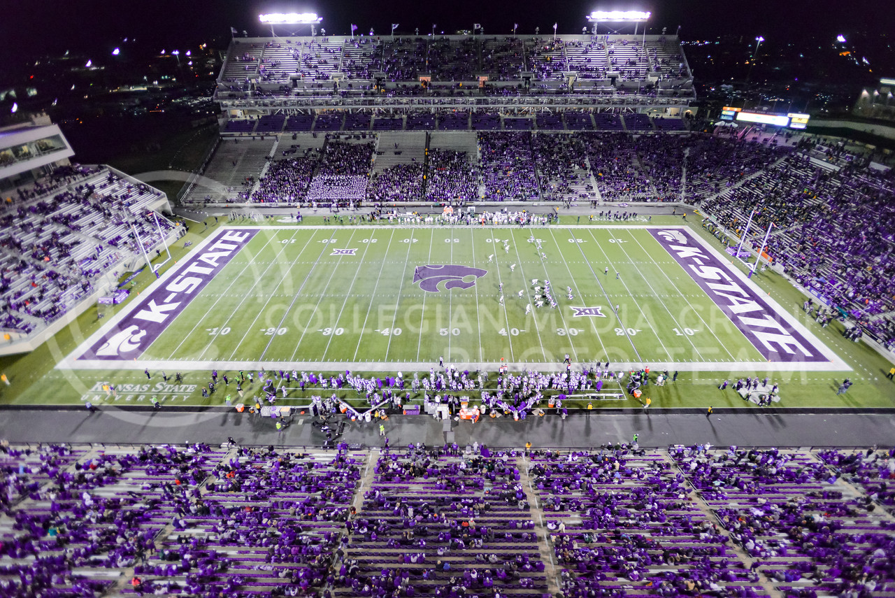 The Wildcat offense lines up for its first possession of the second half of their 24-31 loss to the No. 2 Bears Nov. 5, 2015, in Bill Snyder Family Stadium. (Parker Robb | The Collegian)