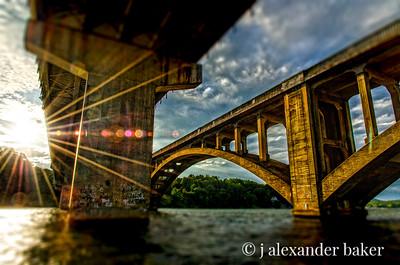 HDR Bridges with Blur