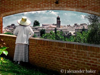 Suzette Sees Siena