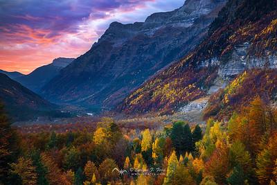 Amanecer otoñal, Valle de Pineta, Huesca