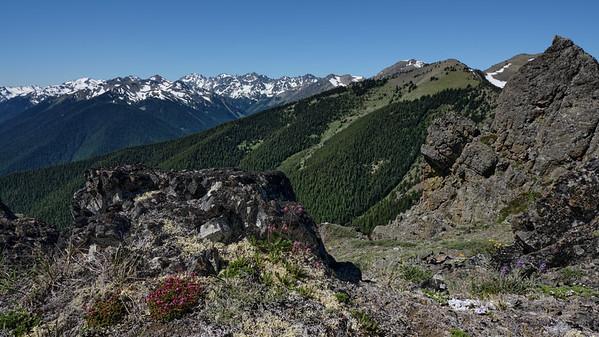 Spectacular lunch spot on the false summit of Tyler Peak