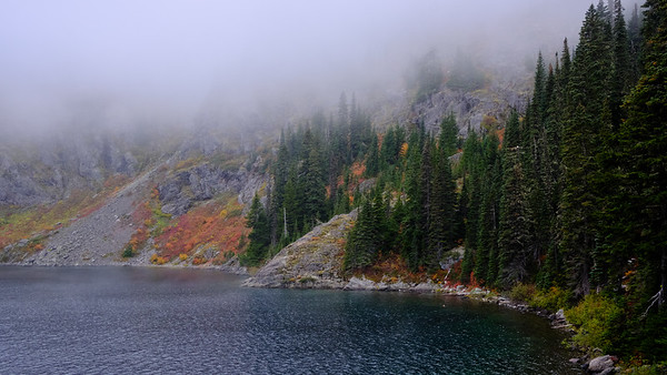 Fall colors on the shores of Rachel Lake