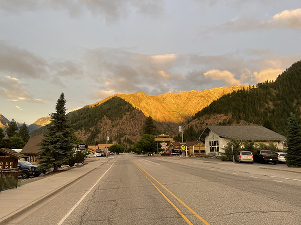 Early morning light in Leavenworth