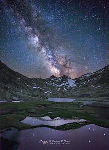 Besiberri bajo la Vía Láctea