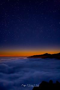 Al borde de la Tierra, en una esquina del Cielo