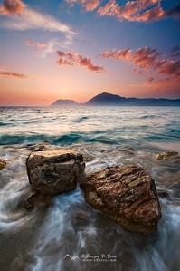 Últimas luces en el golfo de Corinto