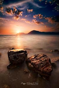 Puesta de sol en el golfo de Corinto