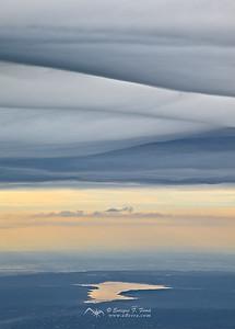 Valmayor bajo las nubes