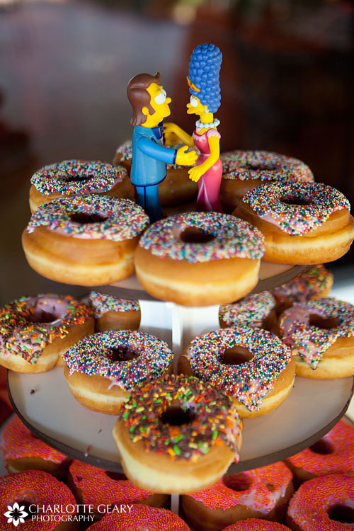 Simpsons donut cake