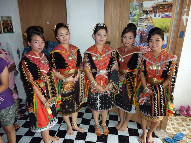 Dusun girls in wedding clothes