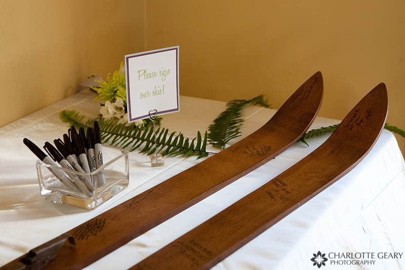 Wedding guestbook skis