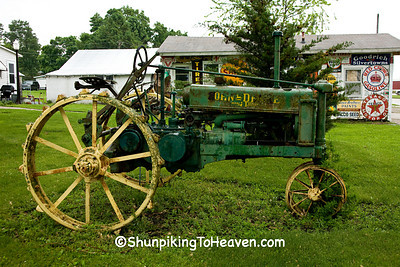 Antique John Deere Tractor, Belle Plaine, Iowa