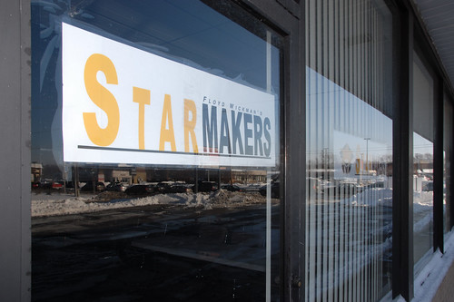 Starmakers Sign