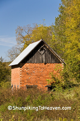 Small Tile Barn, Vernon County, Wisconsin