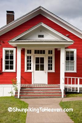 Larsmont School, Built 1914, Lake County, Minnesota
