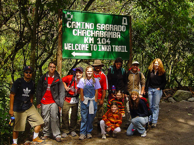 Students at the start of the Inka trail