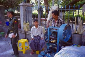 Sugar cane drink, Yangon