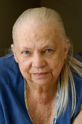 Elizabeth Draughn, 1922 - 2009