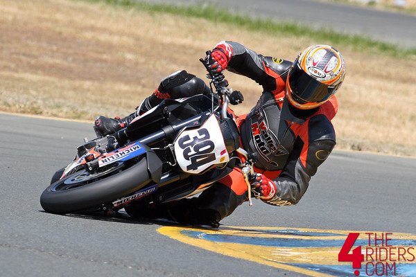 gogo tucks the ktm in t9b