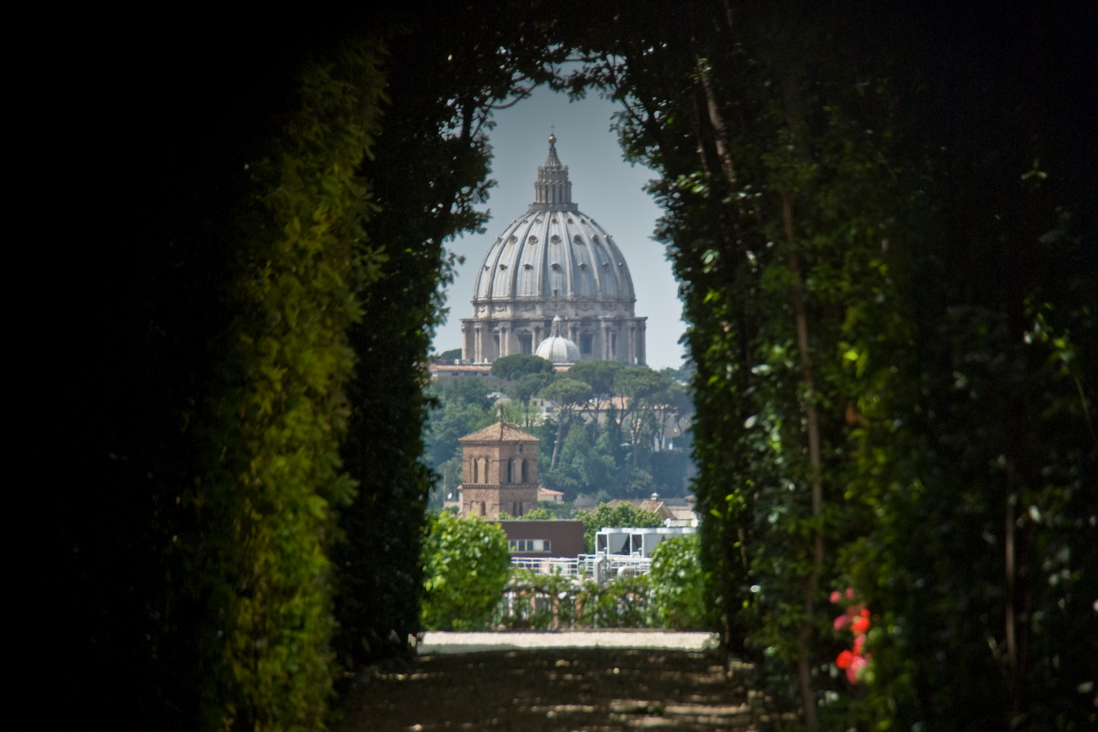 The Story of the Rome Keyhole Photo