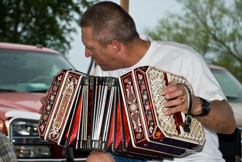 Bernie Kroll playing his concertina