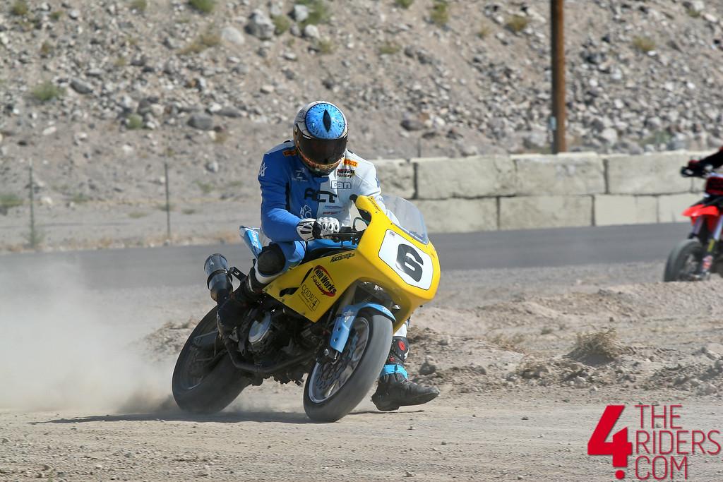 SV 650 Rider Club. Suzuki 650 sv, carbu et injection  - Page 4 635375144_Pfbck-XL