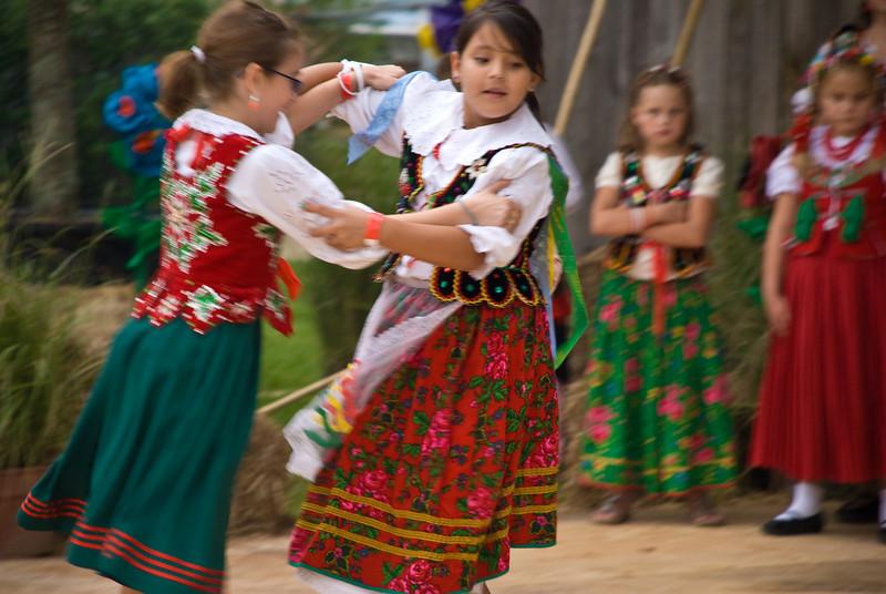Children from the Polish School dancing