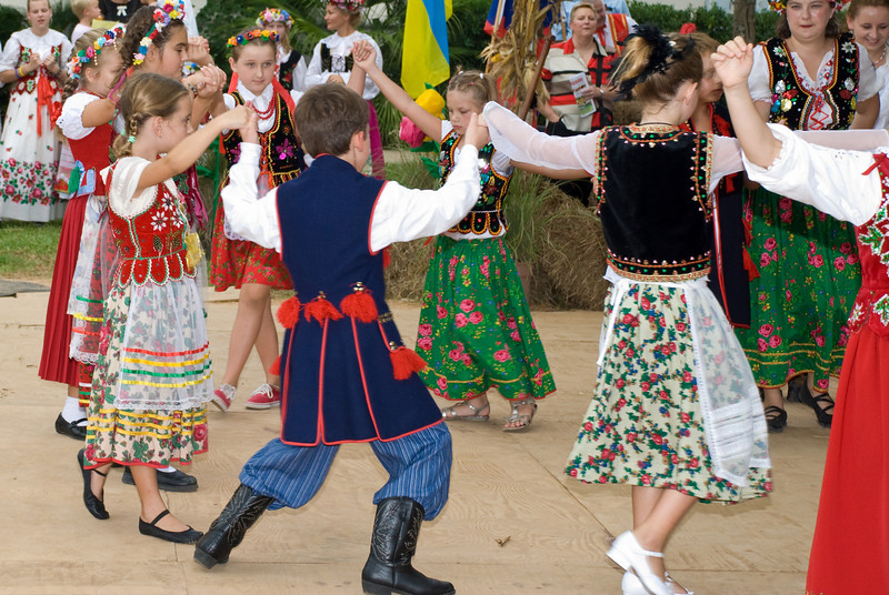 Dancers from the Polish School