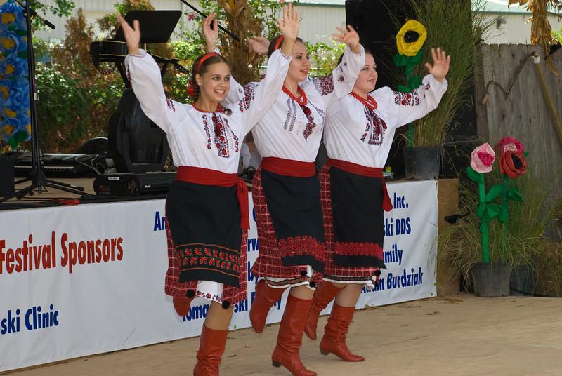 Ridna Shkola Ukrainian Dancers