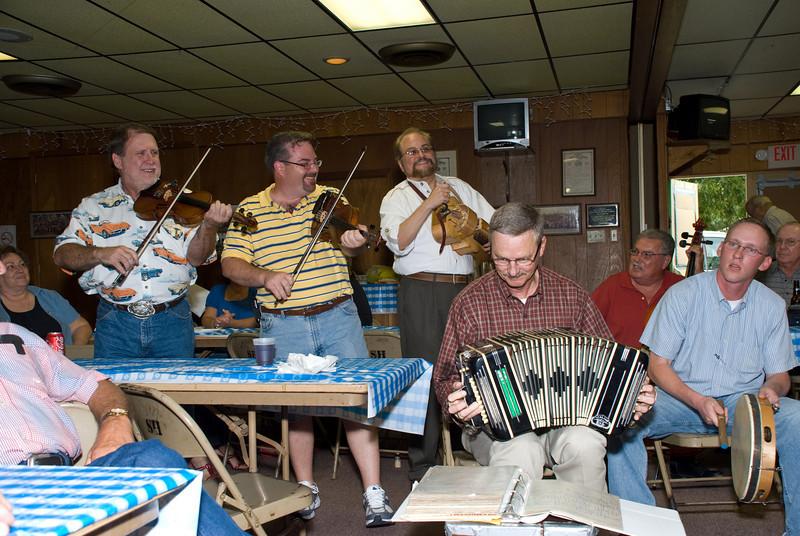 Sonny Janczak, Brian Marshall, Mike Addicks, Jimmy Mazurkiewicz, Lawrence Wisnoski and James Mazurkiewicz playing a Polish song.