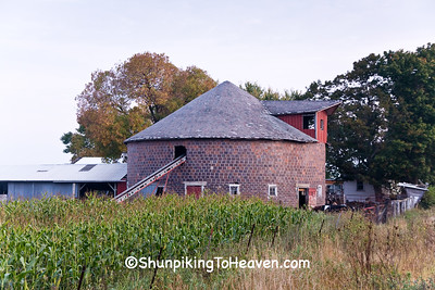 Tile Round Barn, Fayette County, Iowa