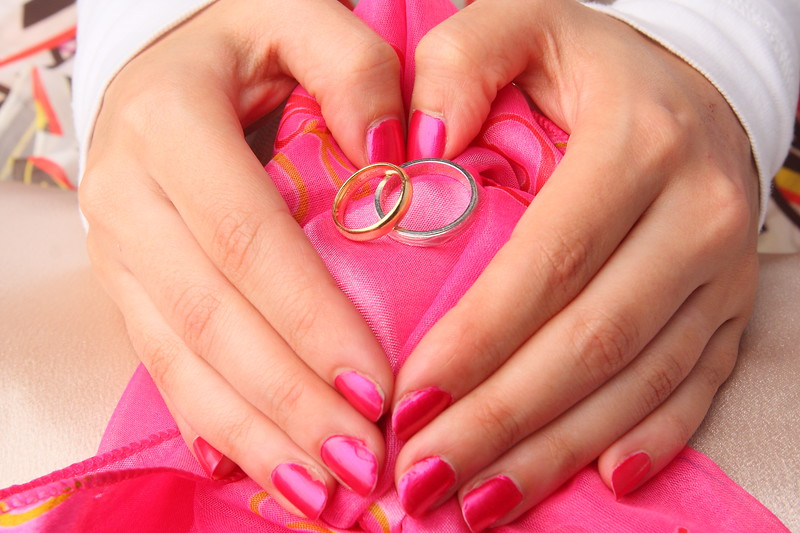 Wedding Engagement Ring Pictures in Studio